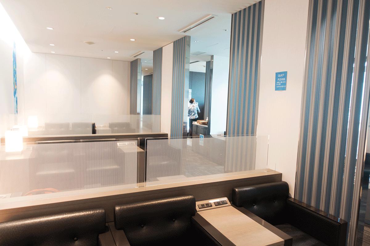 那覇空港国際線ラウンジ 「琉輪」座席
