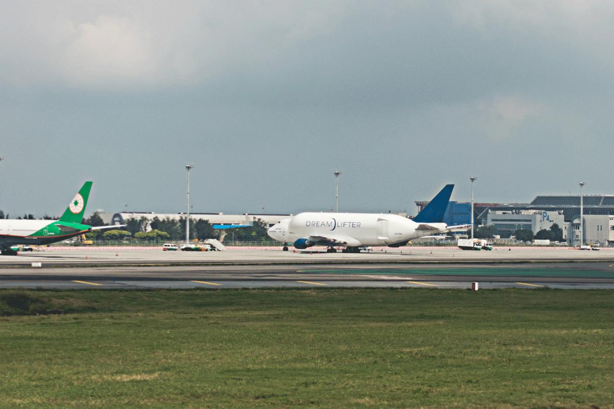 桃園国際空港 ドリームリフター