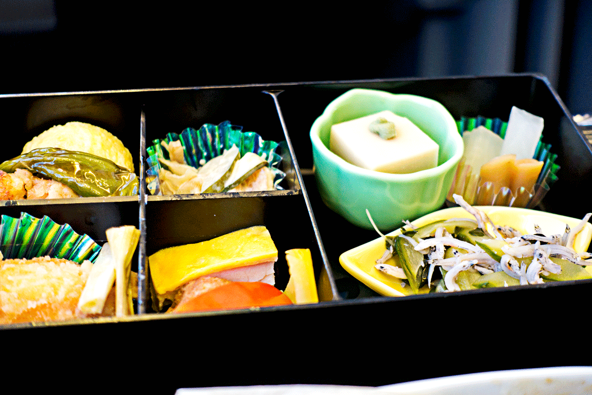 NH824ビジネスクラス 機内食