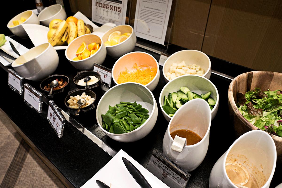 ザ・プリンスさくらタワー東京ラウンジのサラダ