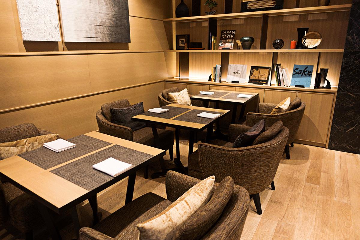 ザ・プリンスさくらタワー東京ラウンジのテーブル席