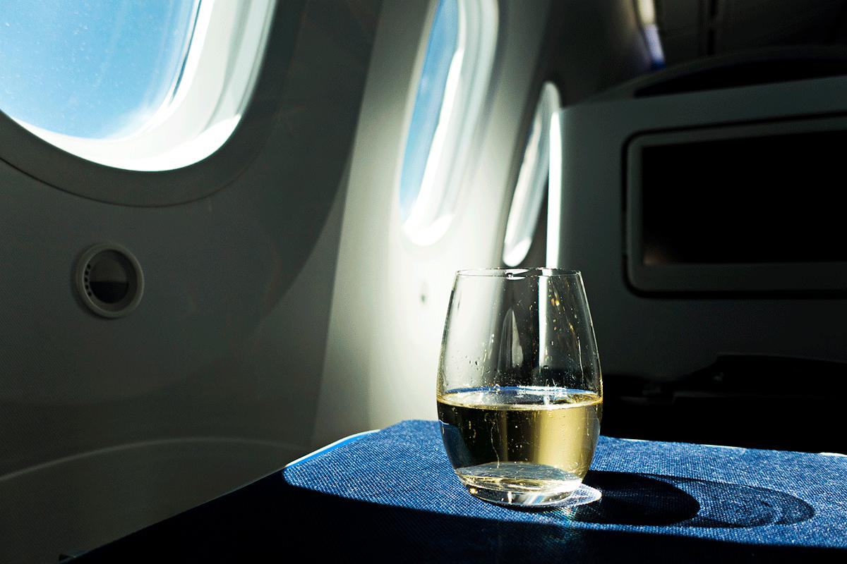 ANA NH851便ビジネスクラス シャンパン
