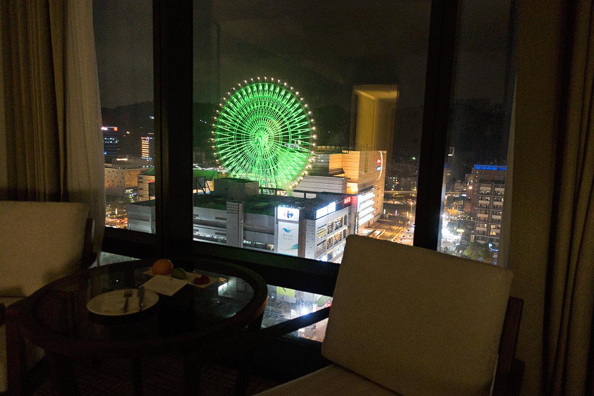 台北マリオットホテル 部屋からの夜景