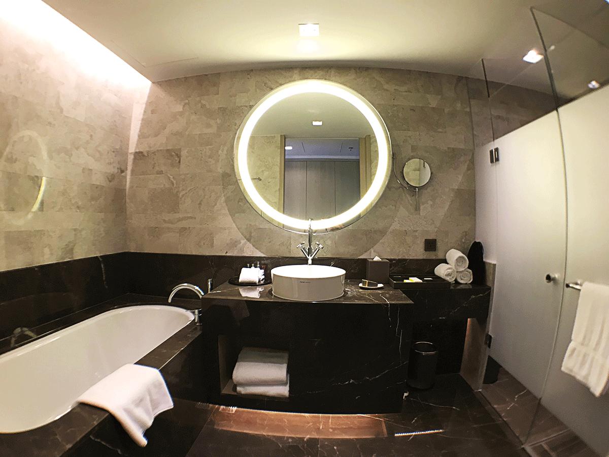 台北マリオットホテルのバスルーム