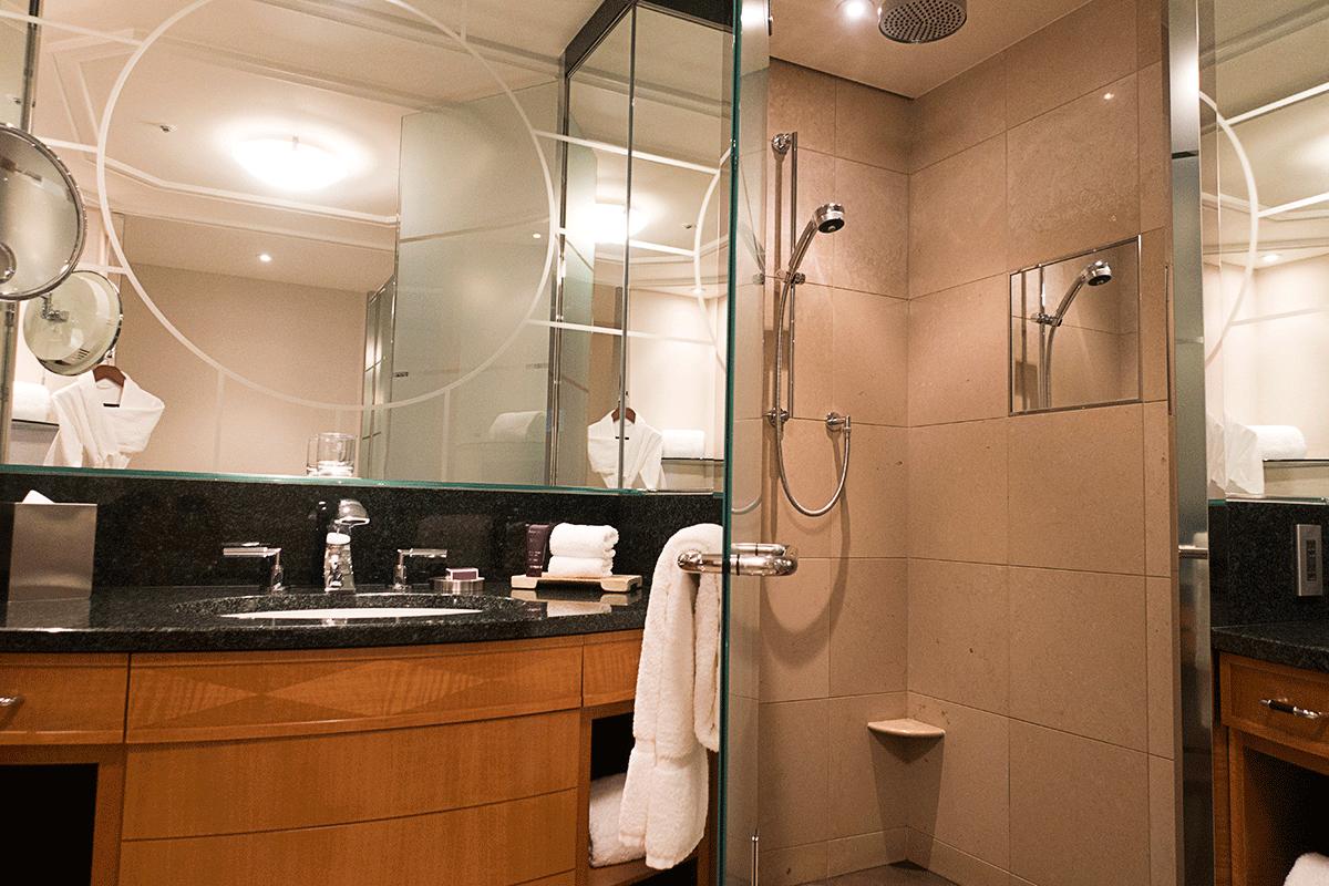 ザ・リッツ・カールトン東京のシャワールーム