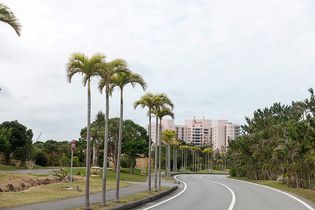 ザ・リッツ・カールトン沖縄の近くにあるオキナワマリオットリゾート