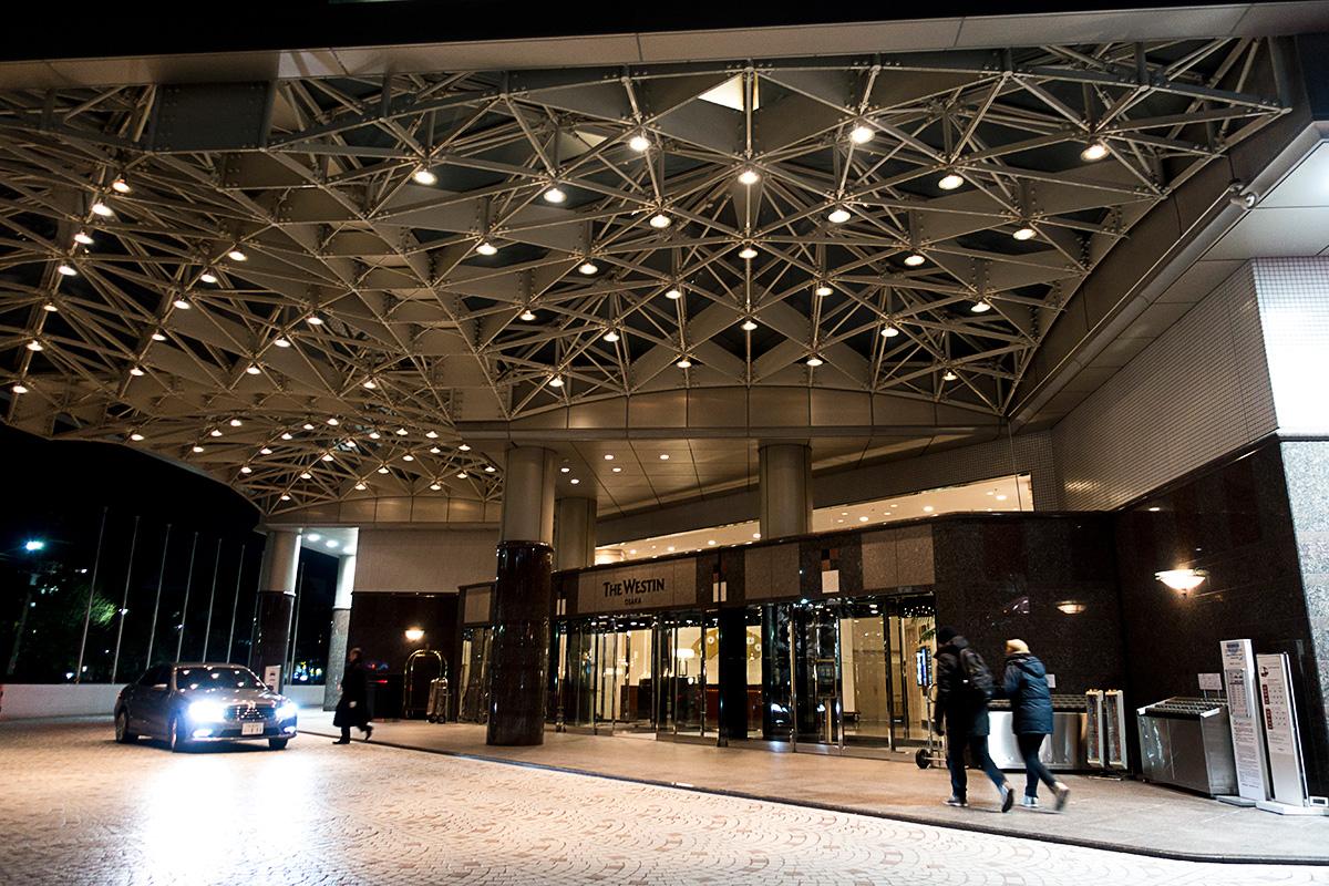 ウェスティンホテル大阪の車止め
