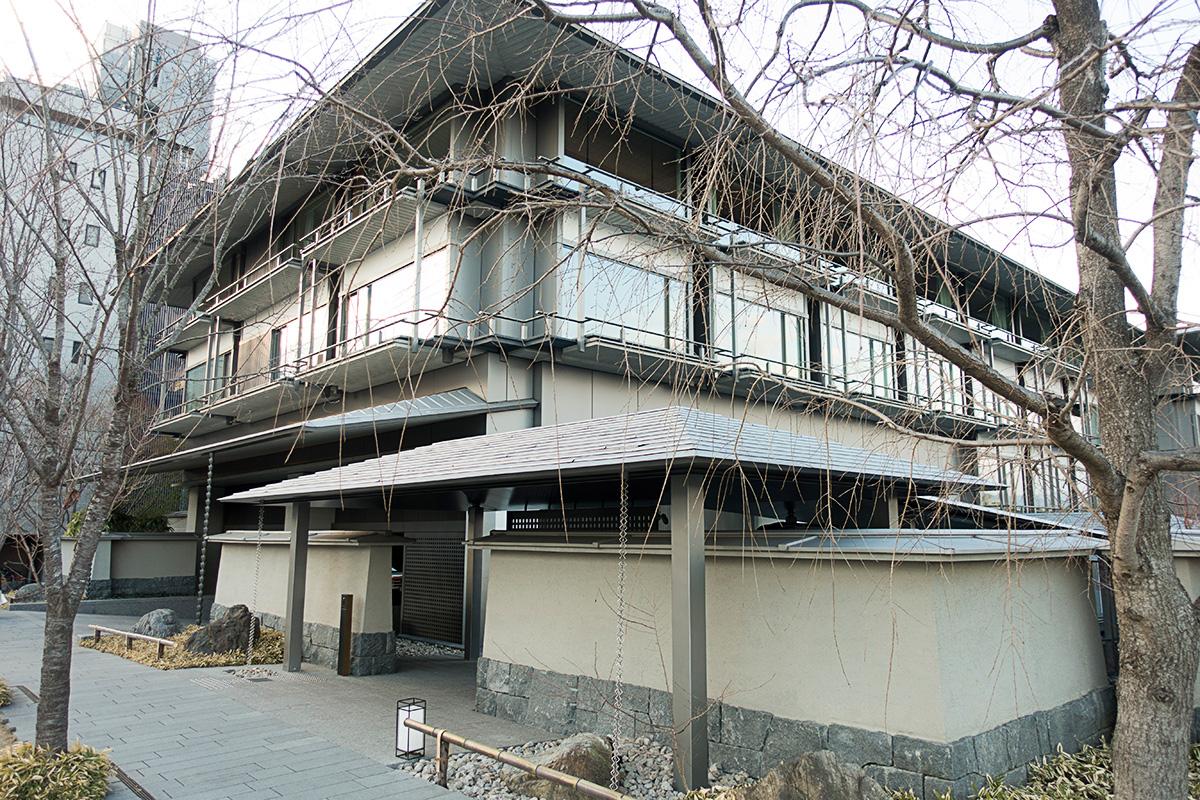 ザ・リッツ・カールトン京都の入り口はとても狭い