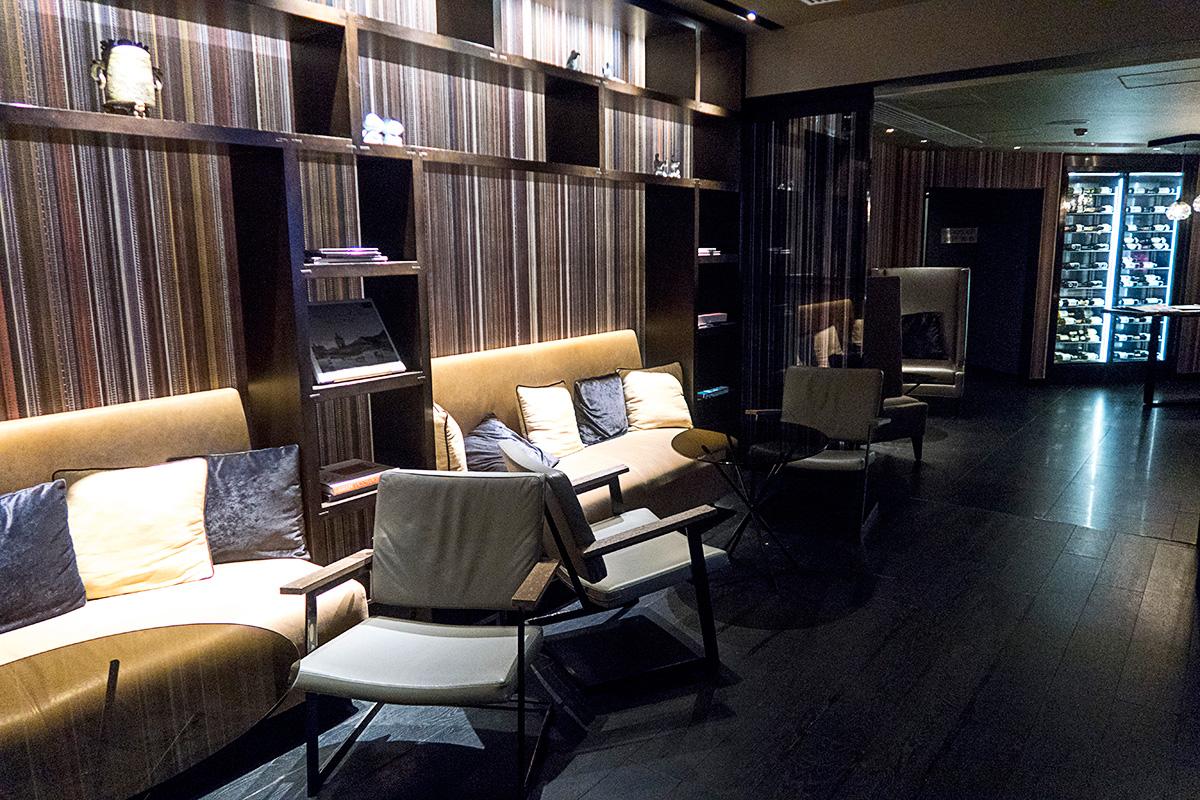 JWマリオット香港ラウンジのソファ