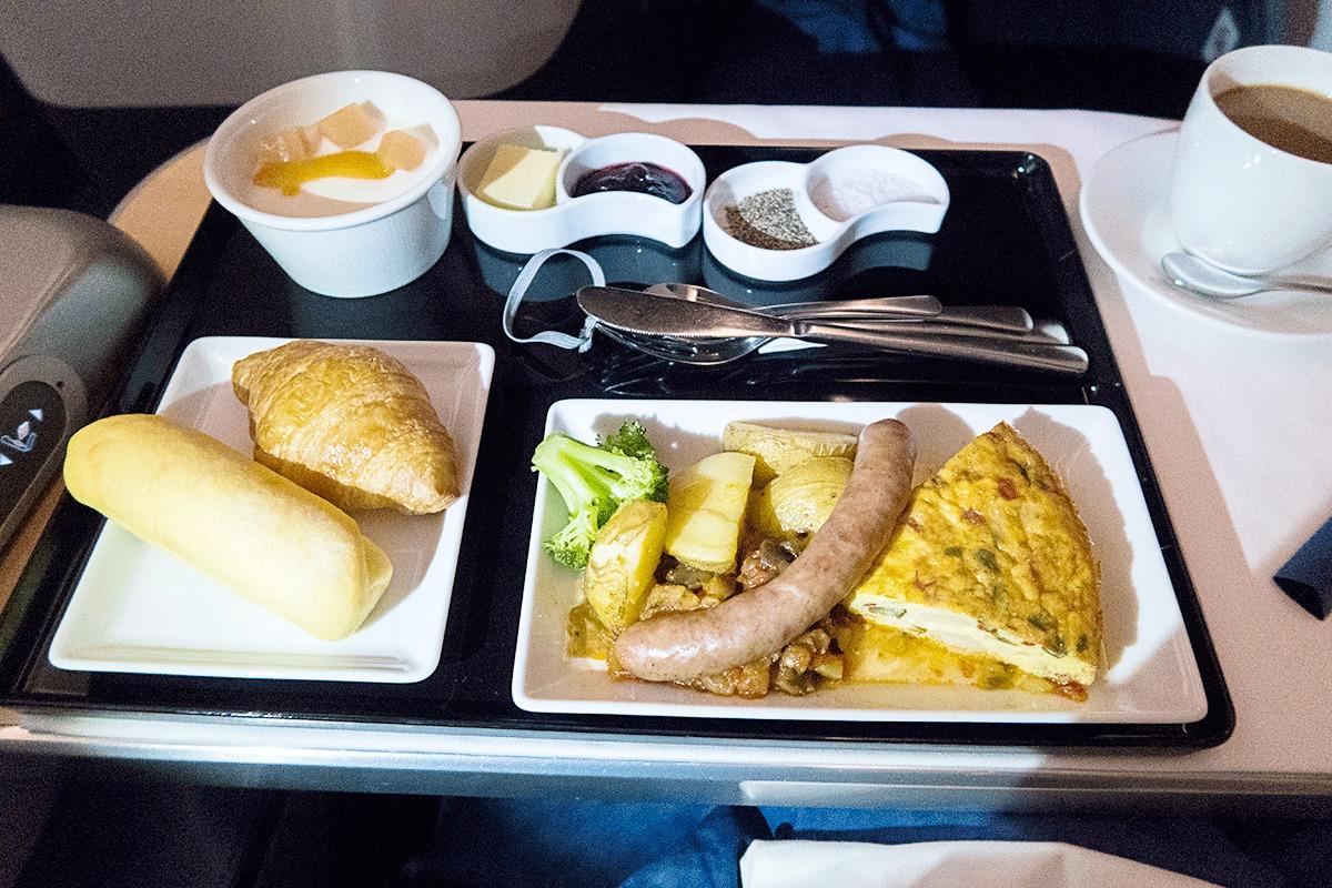 NH205便ビジネスクラスの機内食