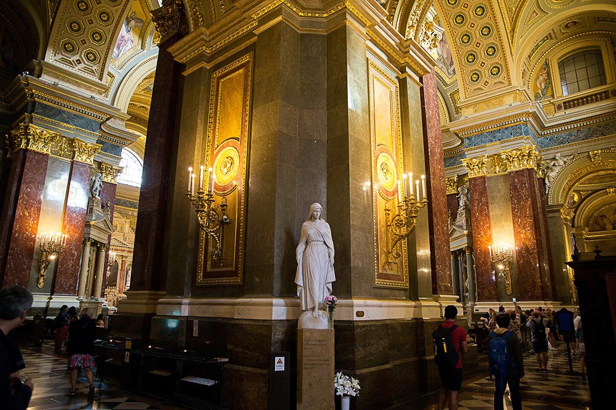 聖イシュトヴァーン大聖堂の内部