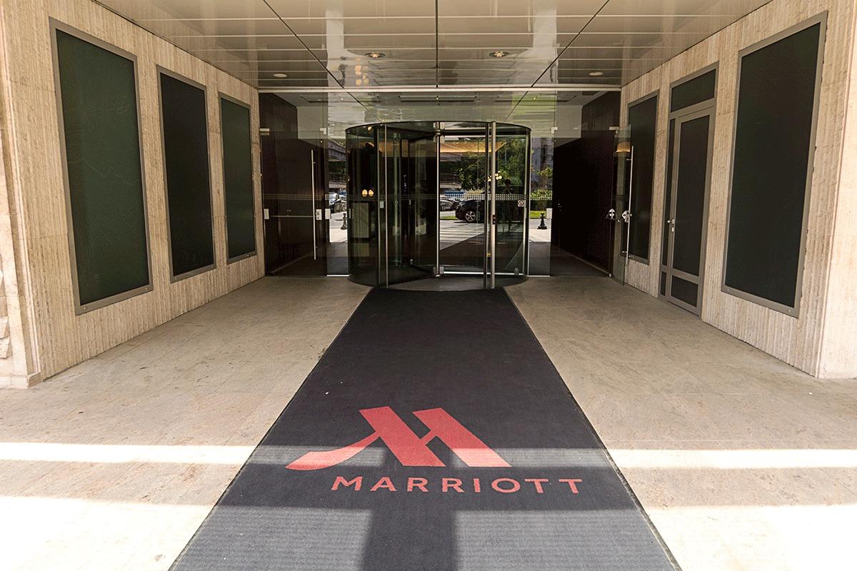 ブダペストマリオットホテルの入り口