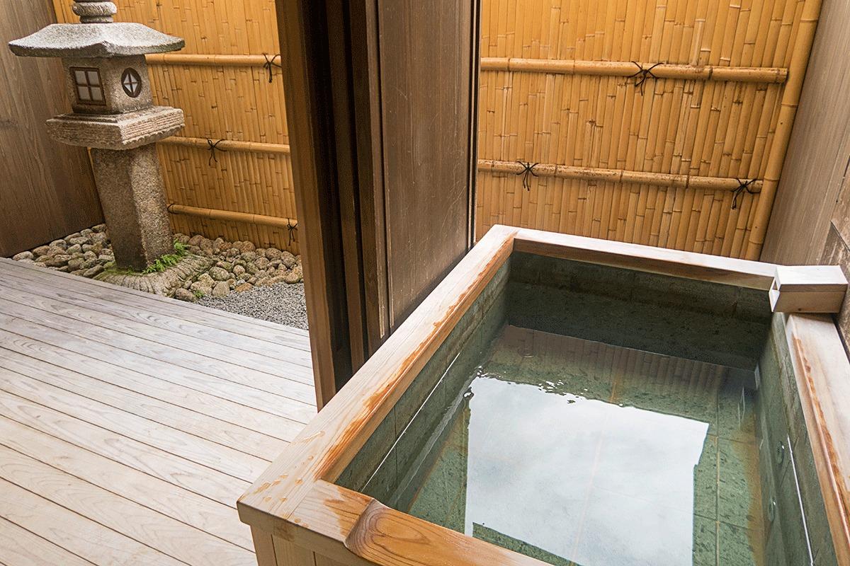 翠嵐ラグジュアリーコレクションホテル京都の露天温泉風呂