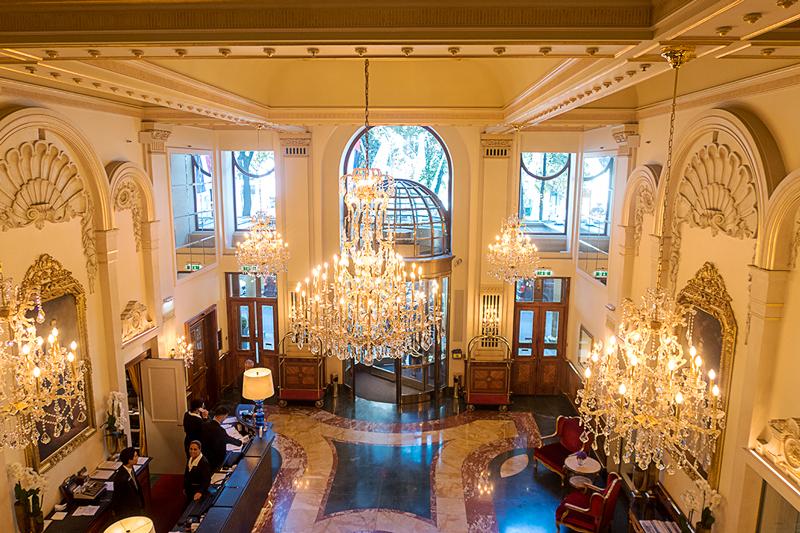 ホテルインペリアルウィーンのフロント
